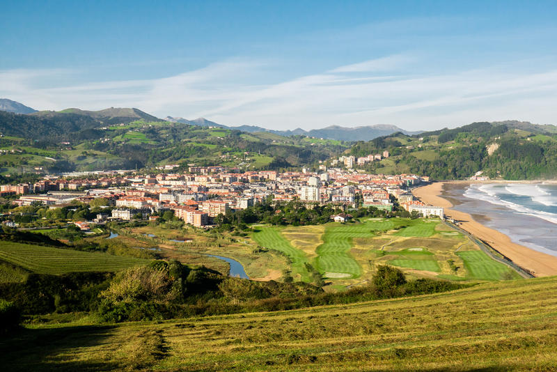 Осень Landsape Zarautz, Баскония, Испании стоковые фото
