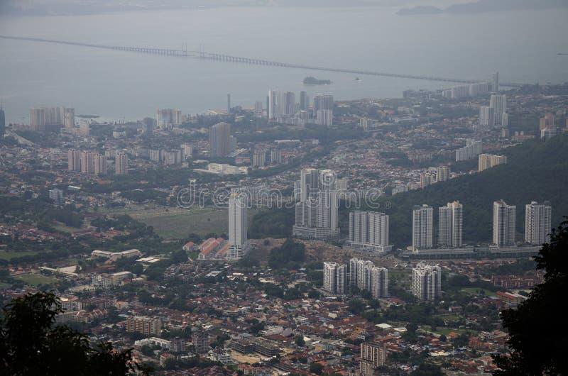 Осмотрите городской пейзаж и ландшафт города Penang от точки зрения pe стоковое изображение rf