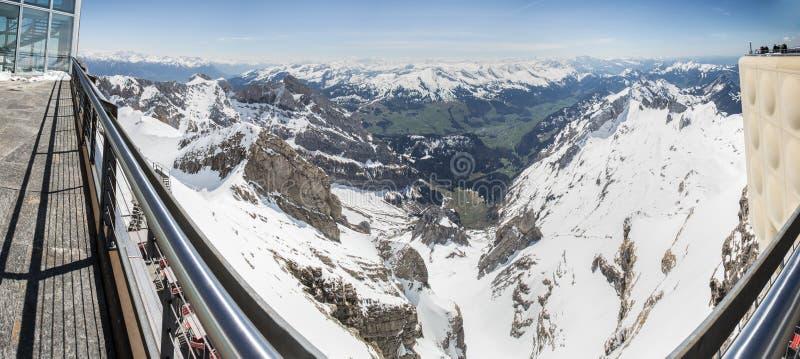 осмотрите от definiti Швейцарии станции горы saentis высокого стоковые изображения