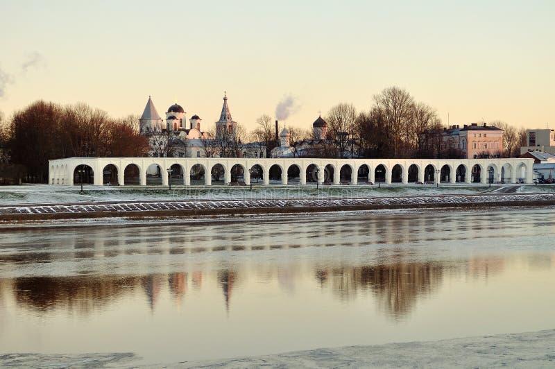 Осмотрите суд ` s Yaroslav на заходе солнца зимы, Veliky Новгороде стоковое изображение