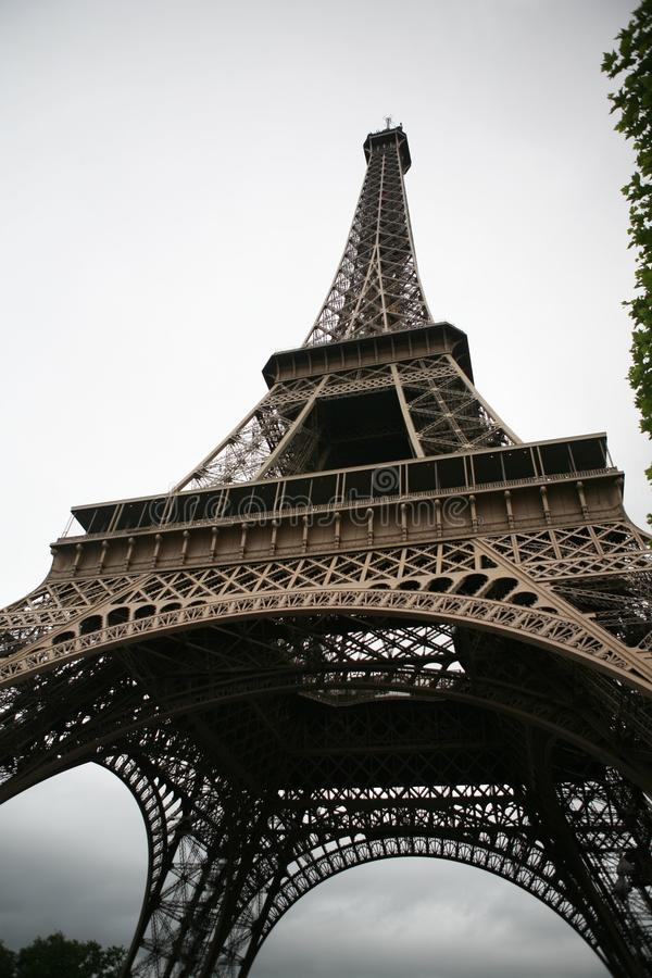 Основание Эйфелеваа башни стоковое изображение rf