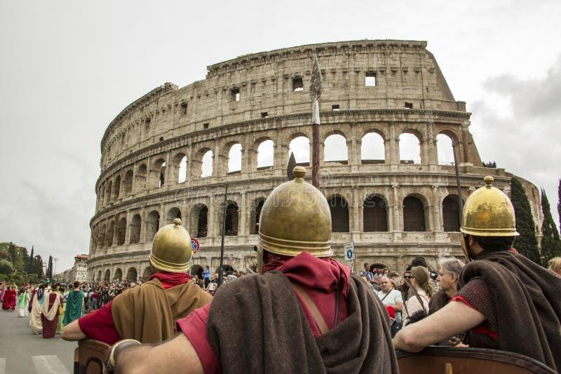 Основывать Рима: парад через улицы Рима стоковые фотографии rf
