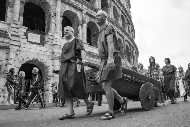 Основывать Рима: парад через улицы Рима стоковое фото