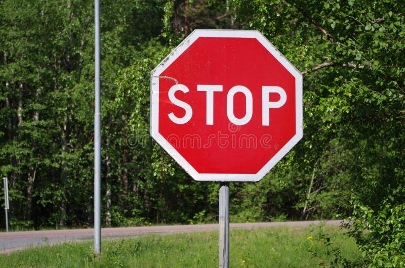 Остановите знак на дороге стоковые изображения