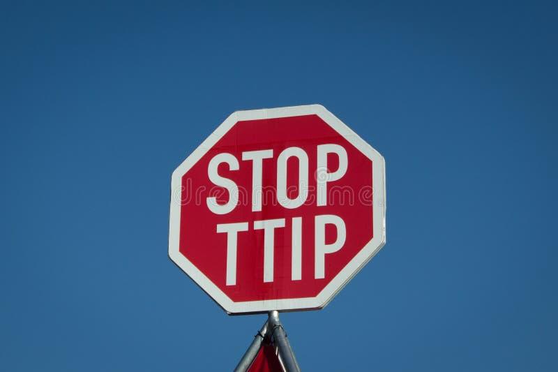 Остановите знак ttip - анти- демонстрацию ttip, Берлин, Германию стоковые фото
