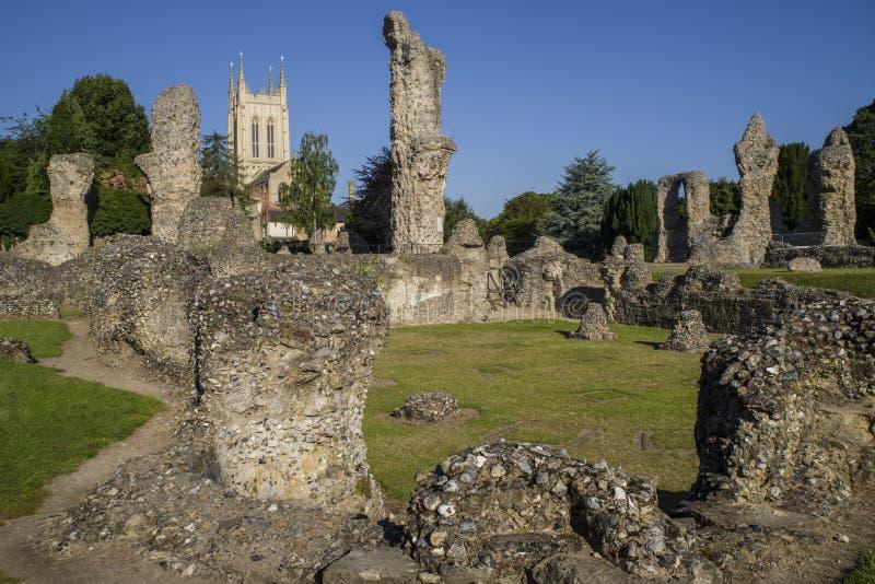 Остатки аббатства St Edmunds хоронити и собор St Edmundsbury стоковые фото