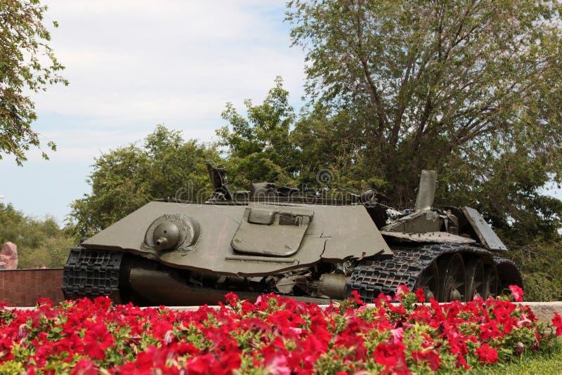 Остатки боевого танка T-34 стоковые фото