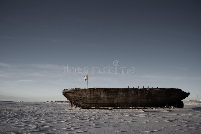 Остатки кораблекрушением Maud, залива Nunavut Кембриджа стоковое фото rf
