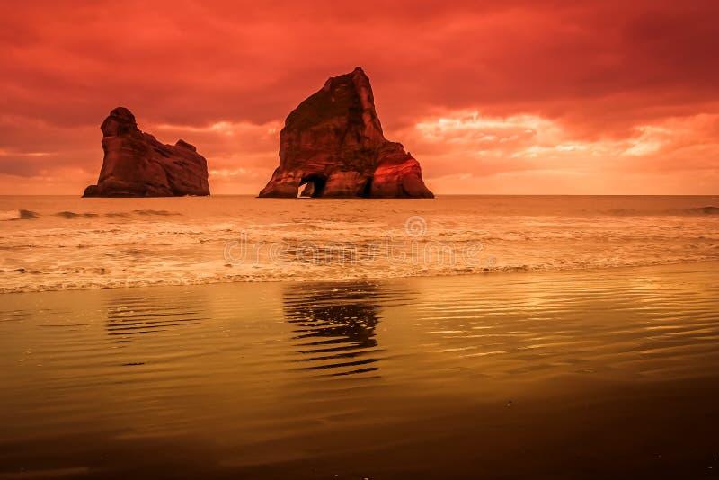 Острова аркы на заходе солнца стоковое изображение rf