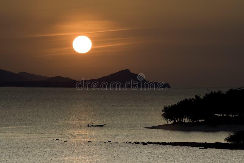 острова над заходом солнца стоковое изображение rf