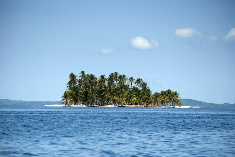 Острова рая в Guna Yala, Kuna Yala, Сан Blas, Панаме Заход солнца Восход солнца стоковая фотография rf