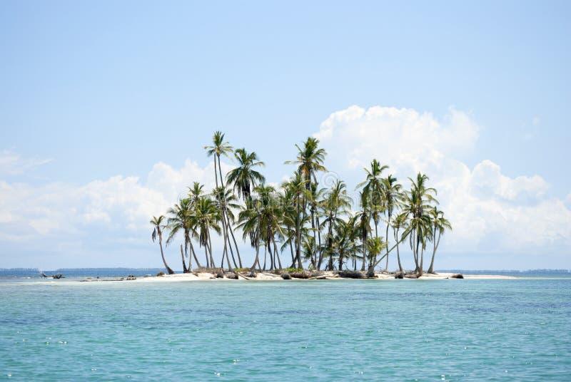 Острова рая в Guna Yala, Kuna Yala, Сан Blas, Панаме Заход солнца Восход солнца стоковая фотография