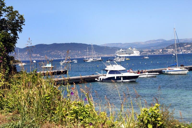 Download Острова Франция Lérins редакционное фото. изображение насчитывающей группа - 81801681