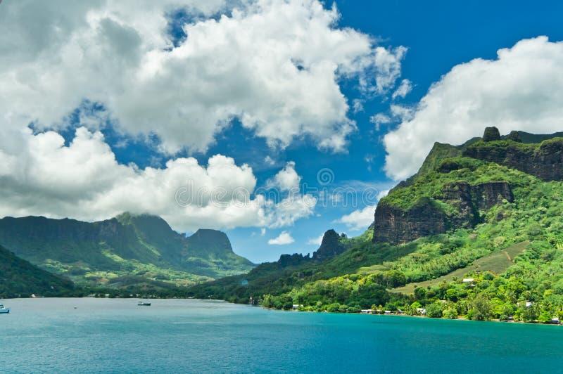 Острова Moorea, залив кашевара, Французская Полинезия стоковые изображения rf