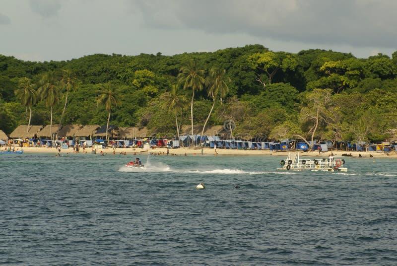 Острова Rosario архипелаг состоя из 27 островов расположенных около 2 часа шлюпкой от Cartagena de Indias, Колумбии. стоковое фото