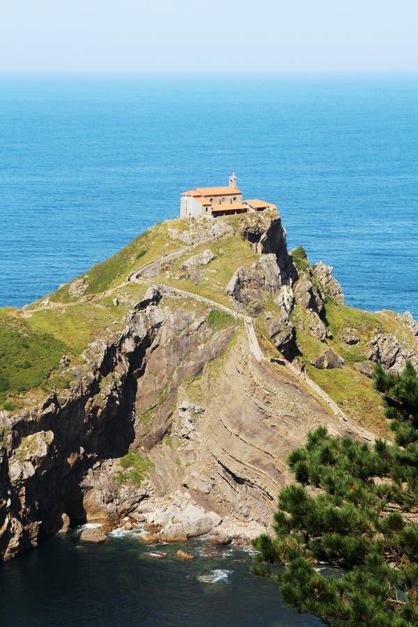 Островок Gaztelugatxe, Испания стоковая фотография rf