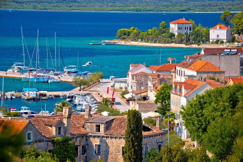 Остров взгляда портового района Zlarin стоковые фотографии rf