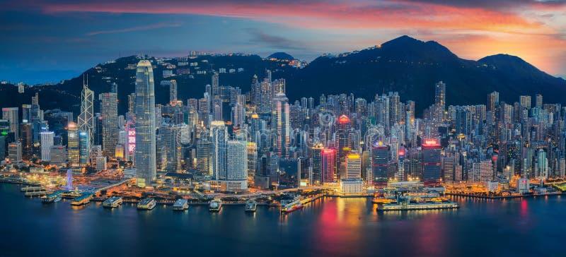 Остров Гонконга от Kowloon стоковая фотография rf