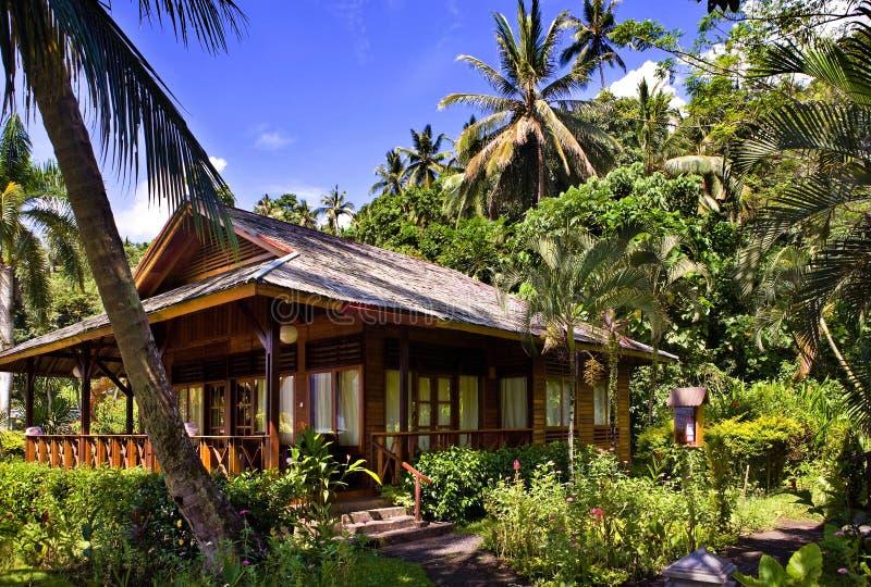 остров Индонесии дома стоковые изображения