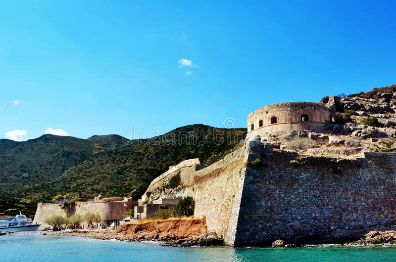 Остров Крит Spinalonga в руинах и зданиях Греции старых стоковая фотография