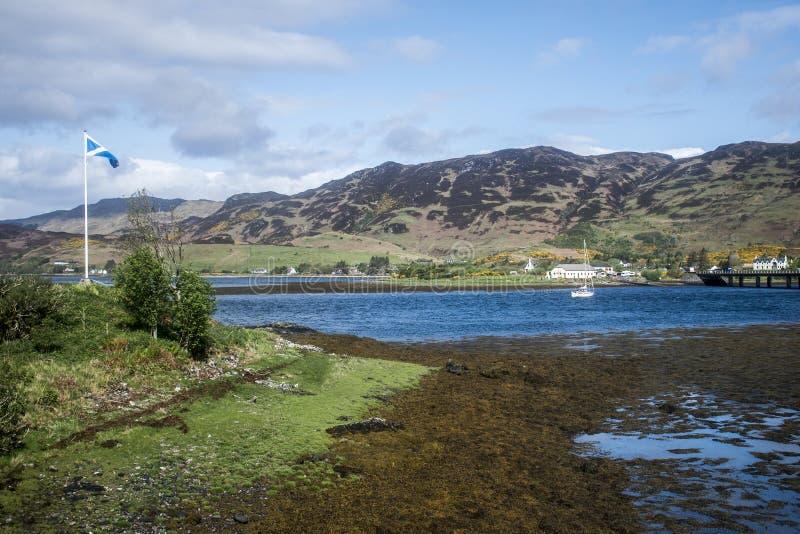 Остров моста 3 моря взгляда панорамы Шотландии Великобритании неба стоковые изображения rf