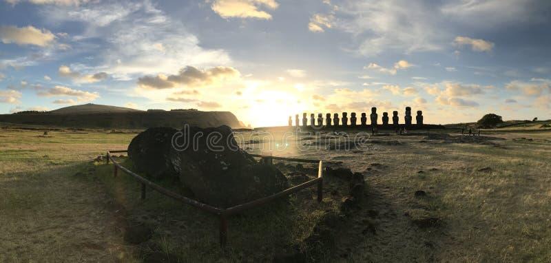Остров пасхи - Rapa Nui - AHU TONGARIKI - JPDL стоковое изображение rf