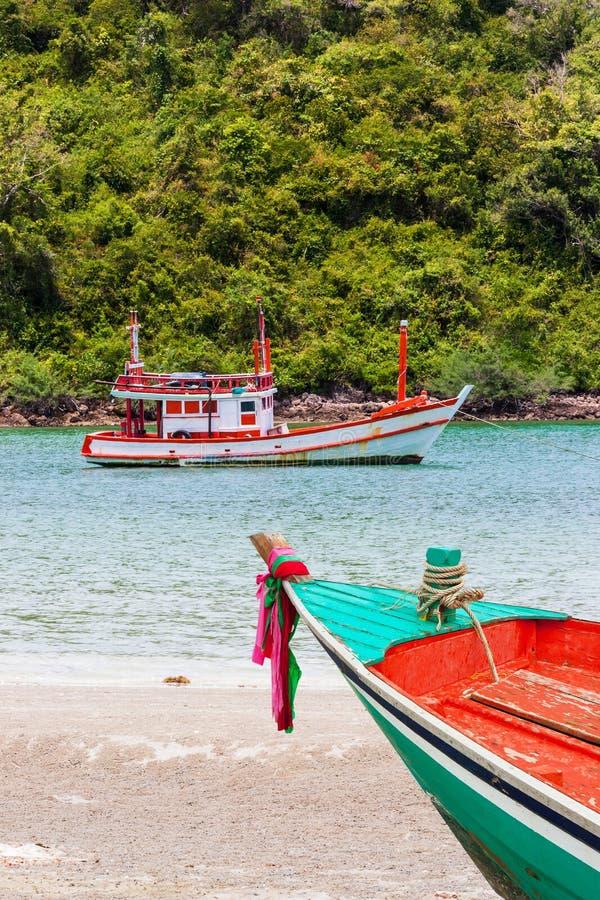 Остров перемещения малый на дневном свете стоковое фото