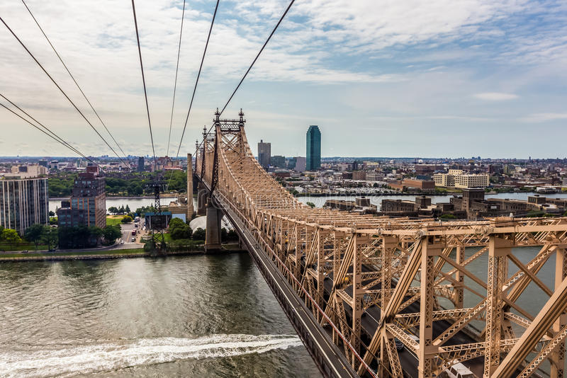 Остров Рузвельта и мост Ed Koch Queensboro взгляд от rooseve стоковая фотография