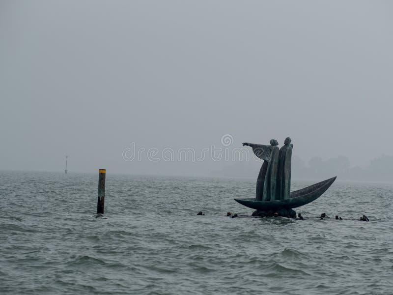 Остров Сан Мишель кладбища в Венеции стоковое фото