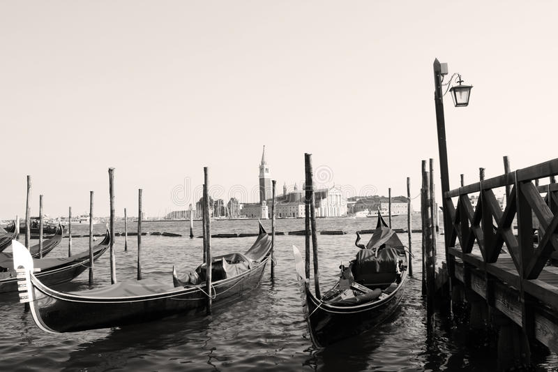 Остров Сан Giorgo с гондолами стоковое изображение