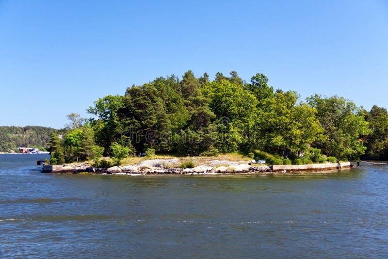 остров сиротливый stockholm Швеция архипелага стоковые изображения rf