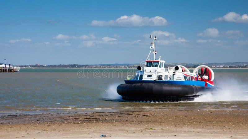 Остров Уайт ховеркрафта Ryde стоковая фотография rf