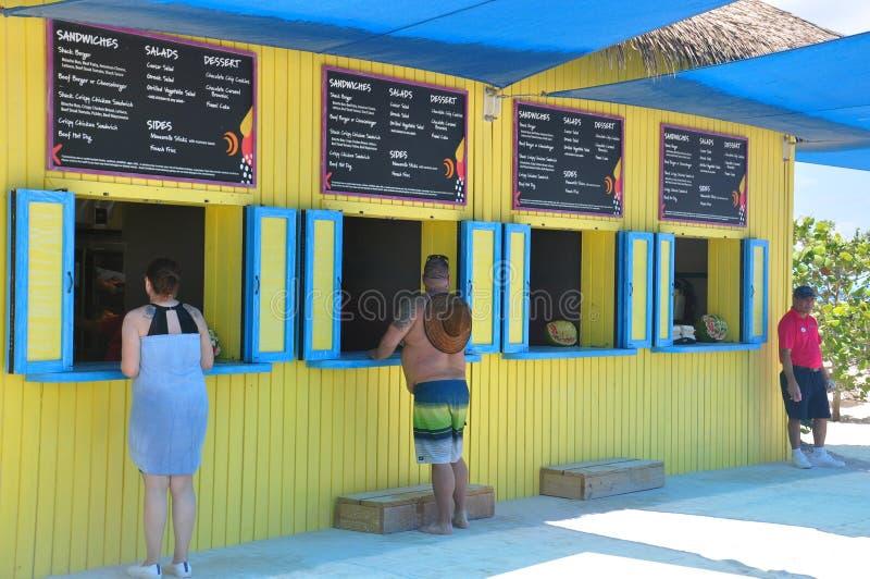 Остров CocoCay идеального дня стоковые фотографии rf