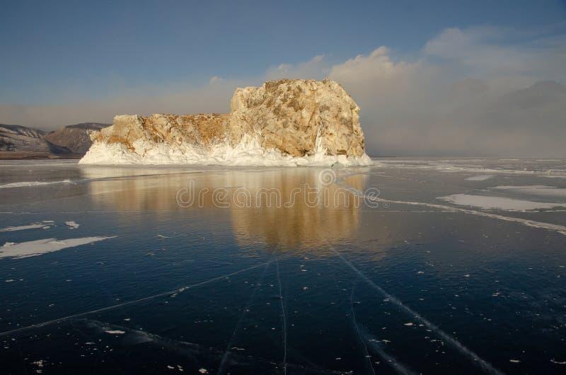 Остров icebound Lake Baikal стоковая фотография rf
