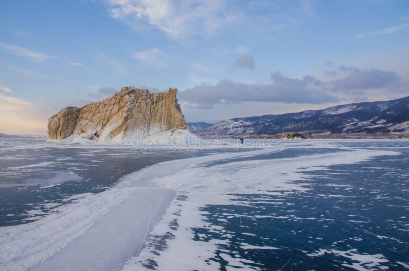 Остров icebound Lake Baikal стоковые изображения rf