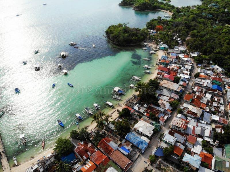 Остров Malapascua сверху - Филиппины стоковые фотографии rf