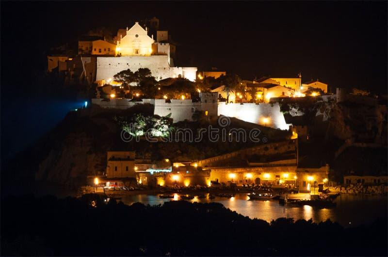 Остров tremiti nicola san от домино san стоковые изображения rf