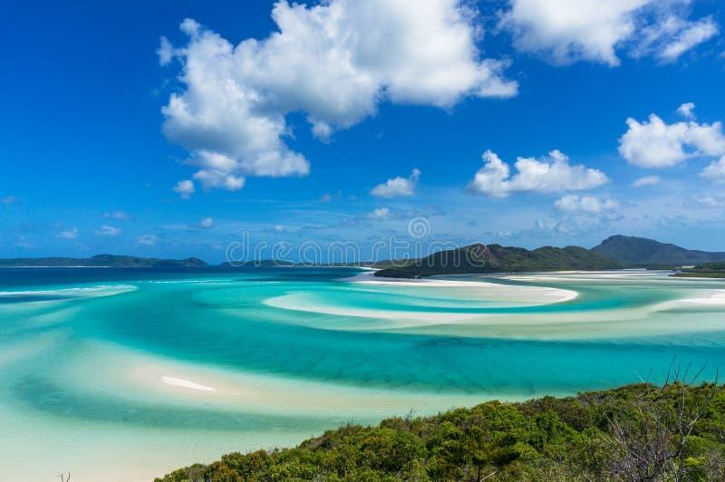 Остров Whitsunday лагуна тропические и вход холма стоковые фото