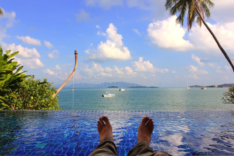 Ослабьте на пляже в Таиланде, Азии стоковое фото rf