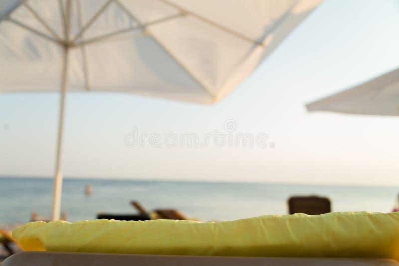 Ослабьте на пляже стоковое фото rf