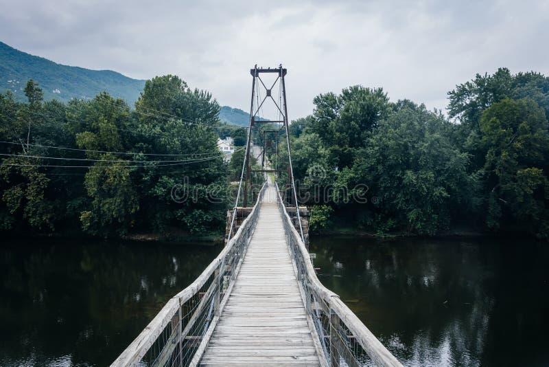 Отбрасывая мост в Buchanan, Вирджинии стоковое фото