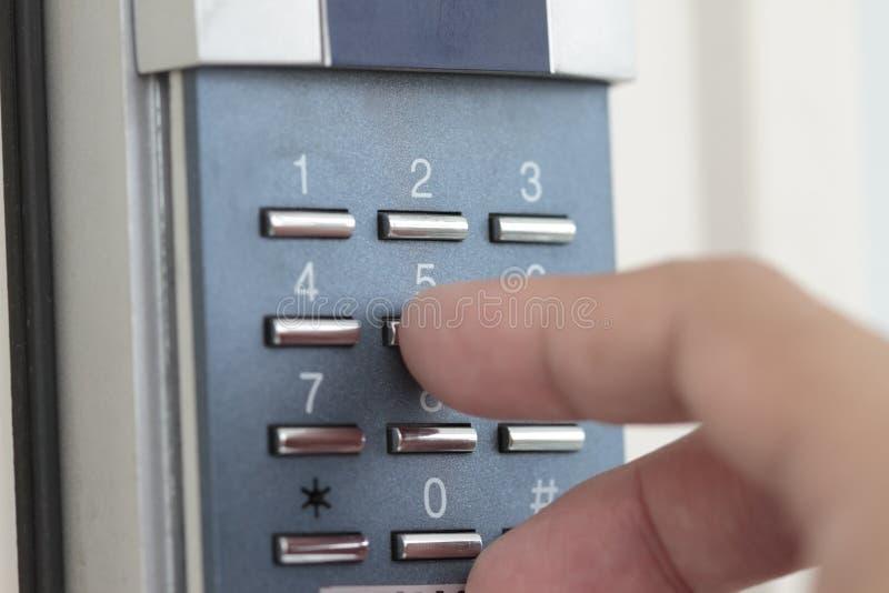 отверстие номера двери комбинации стоковое фото