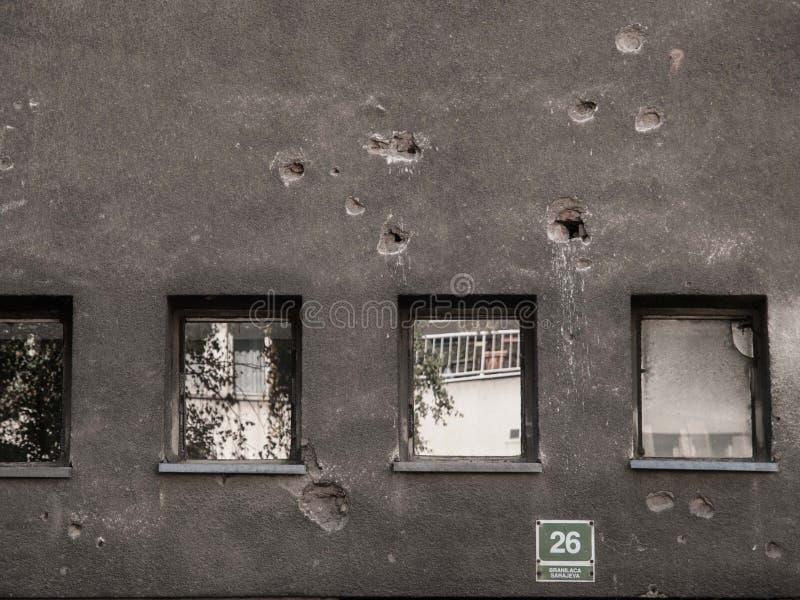 Отверстия съемки Сараево оружия стоковые изображения