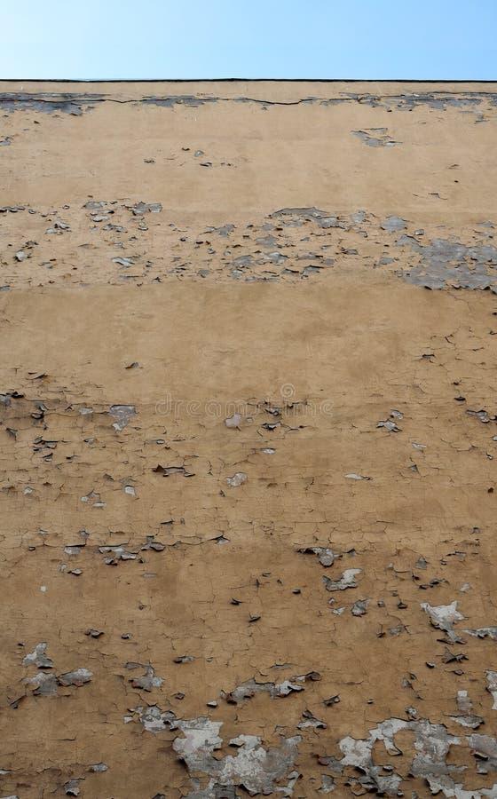 Download Отвесная стена двора без окон с гипсолитом Стоковое Изображение - изображение насчитывающей висеть, двор: 40581197