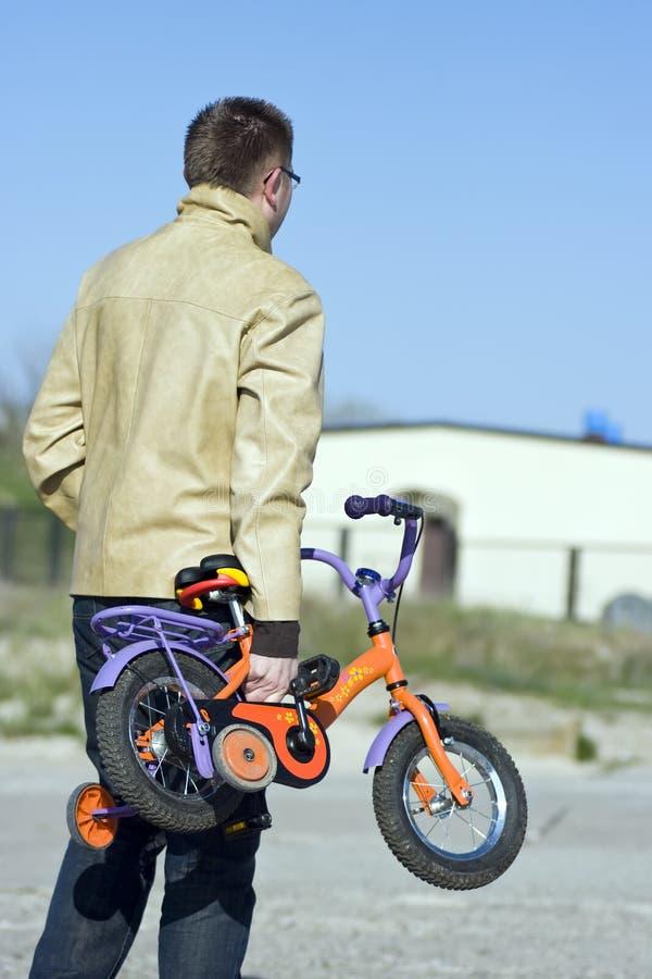 отец детей bike стоковые фото