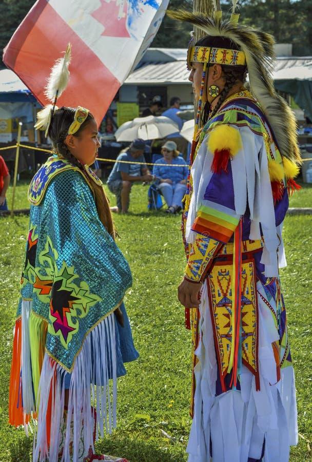 Отец и дочь Micmac коренного американца стоковое фото rf