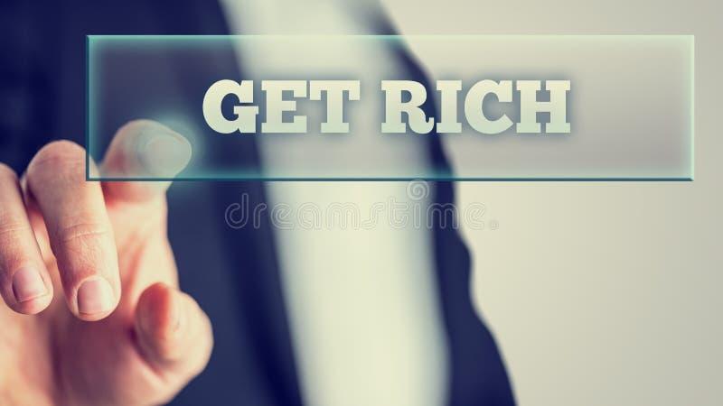 Отжимать пальца получает богатым на прозрачном стекле стоковое фото rf