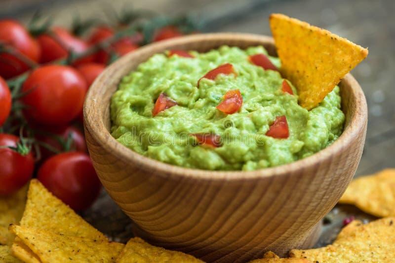 откалывает tortilla guacamole стоковые фото