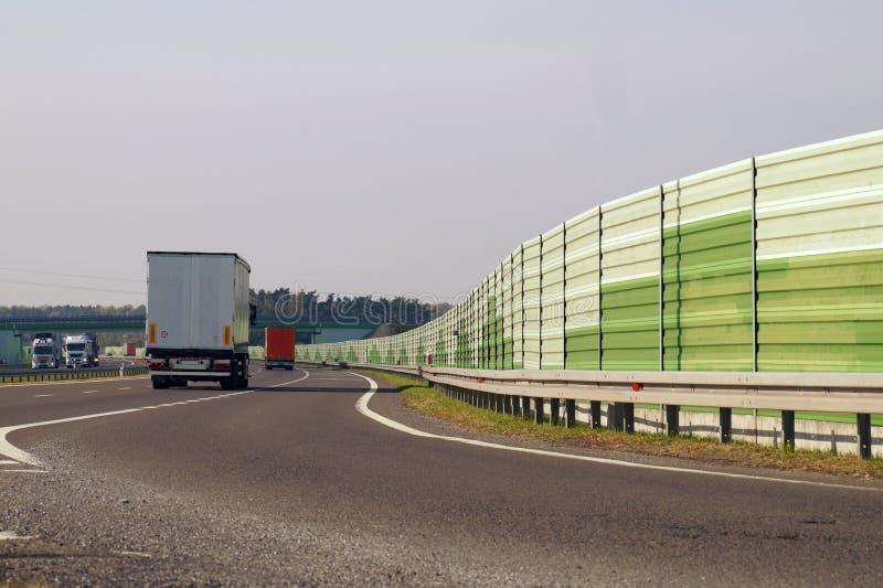 Отключение к шоссе от места отдыха путешественников стоковое фото rf
