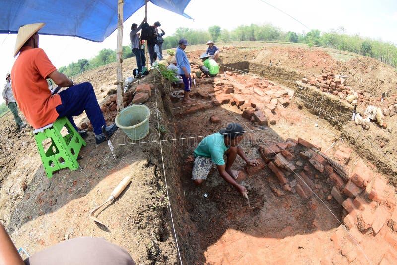 Открытие древнего храма стоковая фотография